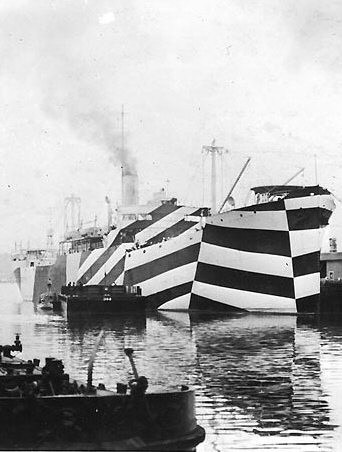 Striped sails on British ships in WW1 (dazzle camouflage)