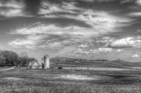 old MN farm house-HDR-black-white