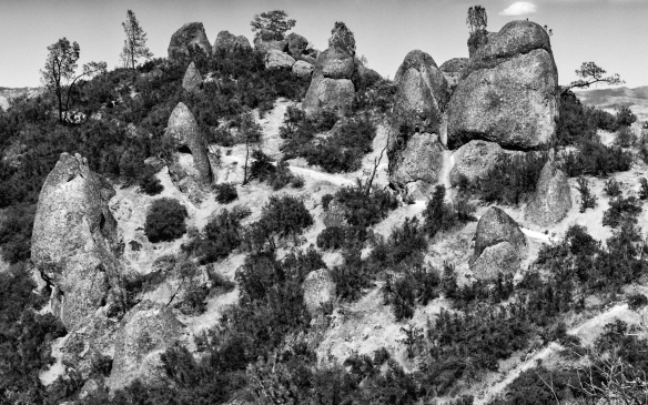 cle of rocks Pinnacles trail-