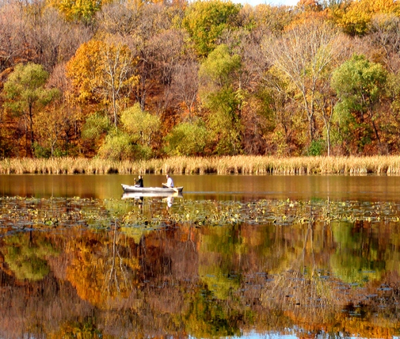 fall color-fish lake in maple grove, MN