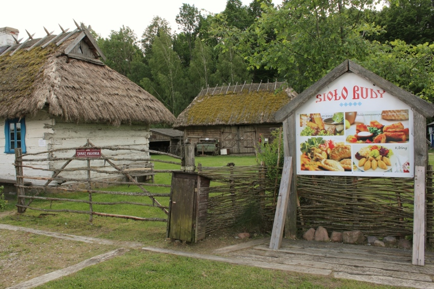 Lunch stop, farm museum, Teremiski