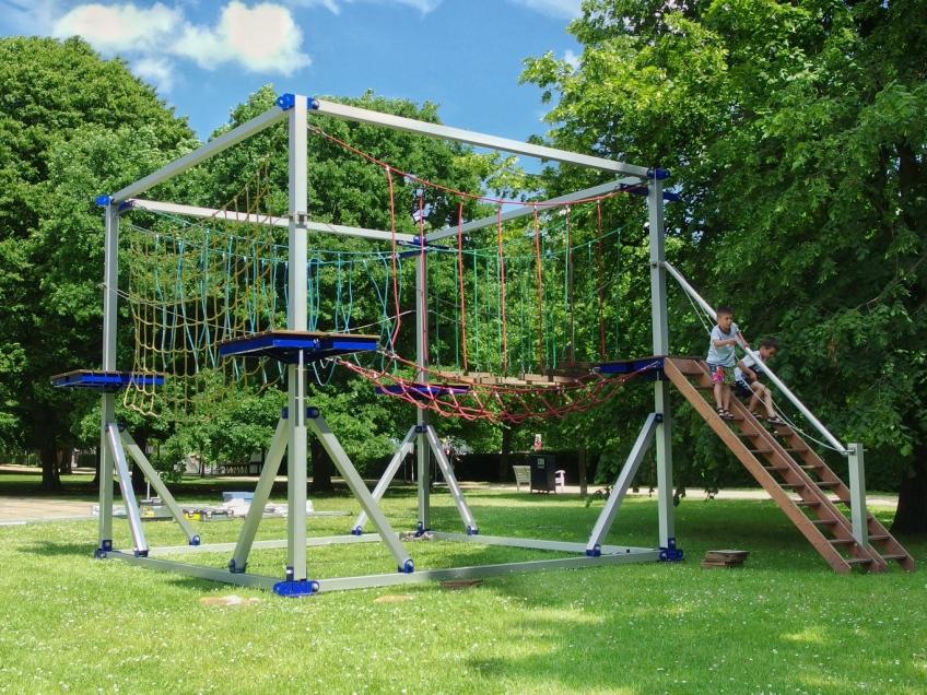 Ropes course, city park, Kiel, Germany